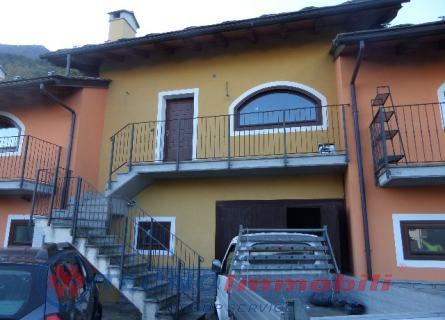 Villa a Schiera in vendita a Pollein, 6 locali, prezzo € 270.000 | PortaleAgenzieImmobiliari.it