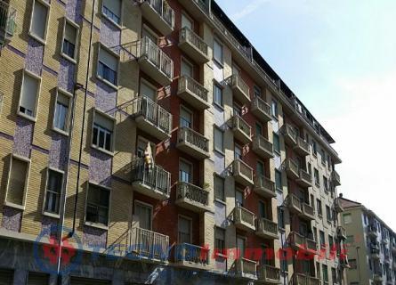 Appartamento in affitto a Torino, 4 locali, prezzo € 500   Cambio Casa.it