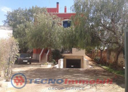 Appartamento in vendita a Manduria, 10 locali, prezzo € 900.000 | Cambio Casa.it