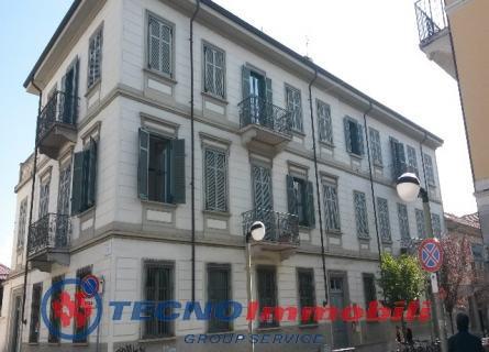 Ufficio / Studio in affitto a Settimo Torinese, 3 locali, prezzo € 400 | Cambio Casa.it