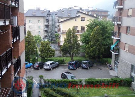 Appartamento in vendita a Aosta, 5 locali, prezzo € 249.000 | Cambio Casa.it