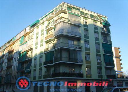 Bilocale Torino Via Strambino 1