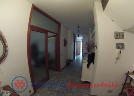 Appartamento in vendita a Alassio, 6 locali, prezzo € 550.000 | Cambio Casa.it