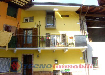 Soluzione Semindipendente in vendita a Levone, 4 locali, prezzo € 85.000 | Cambio Casa.it