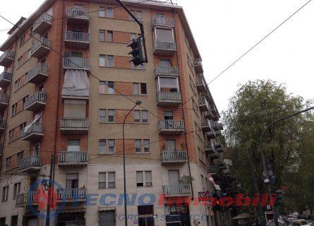 Appartamento in vendita a Torino, 3 locali, prezzo € 69.000 | Cambiocasa.it