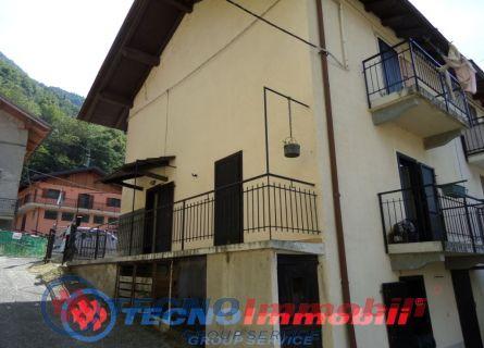Soluzione Semindipendente in vendita a Pontey, 5 locali, prezzo € 89.000 | Cambio Casa.it