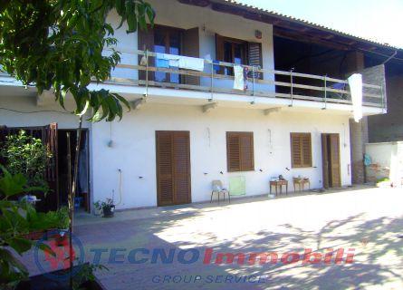 Casa Bi/Trifamiliare in Vendita San Francesco Al Campo, Via Dei Fiori
