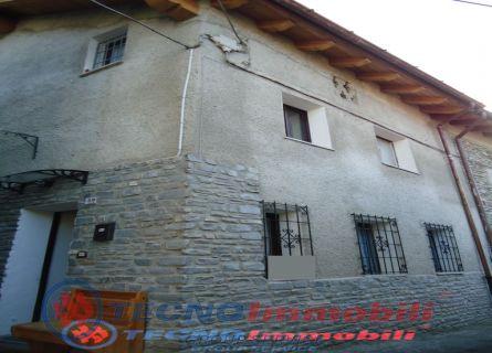 Soluzione Semindipendente in vendita a Aymavilles, 7 locali, prezzo € 155.000 | PortaleAgenzieImmobiliari.it