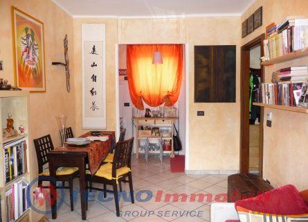 Appartamento in vendita a Aosta, 3 locali, prezzo € 105.000 | Cambio Casa.it