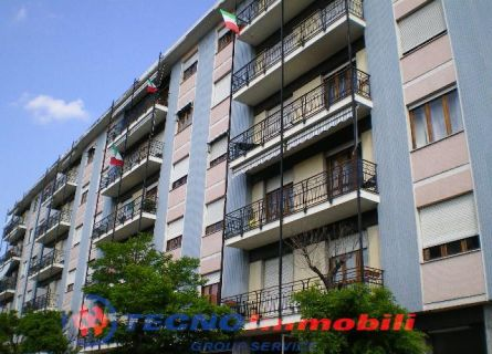 Bilocale Settimo Torinese Via Trieste 1