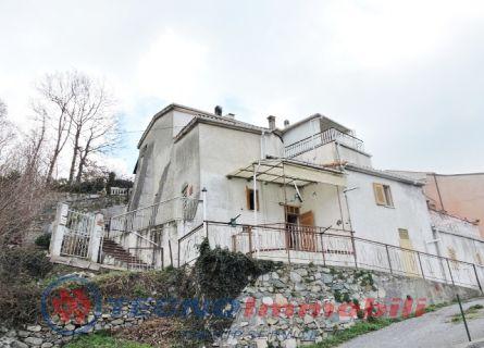 Bilocale Vezzi Portio Via Bassi Boragne 1