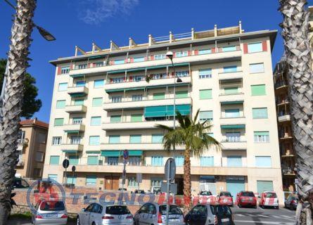 Appartamento in affitto a Loano, 4 locali, prezzo € 1.600 | Cambio Casa.it