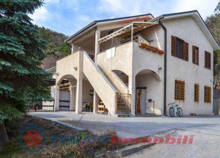 Appartamento in vendita a Vezzi Portio, 3 locali, prezzo € 160.000 | PortaleAgenzieImmobiliari.it