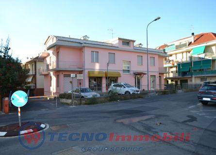 Bilocale Loano Via Gozzano Guido 1
