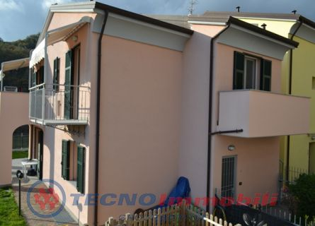 Porzione di casa in Vendita Loano, Via Morteo