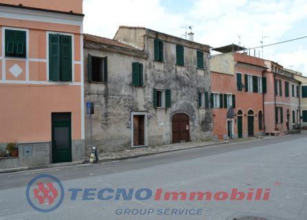 Rustico/Casale in Vendita Finale Ligure, Piazza San Bartolomeo