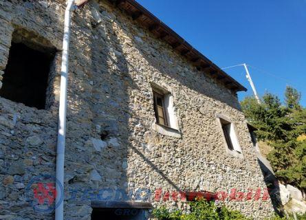 Rustico/Casale in Vendita Balestrino, Via Cuneo