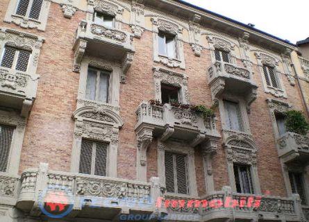 Bilocale Torino Via Vespucci 1