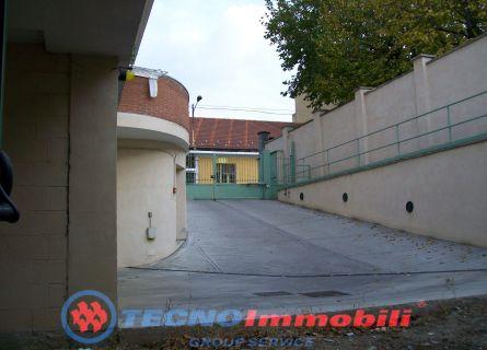 Locale commerciale - Grugliasco (TO)