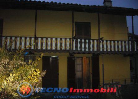Casa semi-indipendente - Levone (TO)