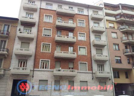 Bilocale Torino Via Cialdini 1