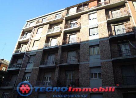 Bilocale Torino Via Chanoux 1