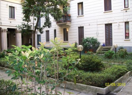 Bilocale Milano Via Mauro Macchi 1