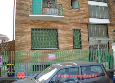 Bilocale Torino Via Ciotta 1