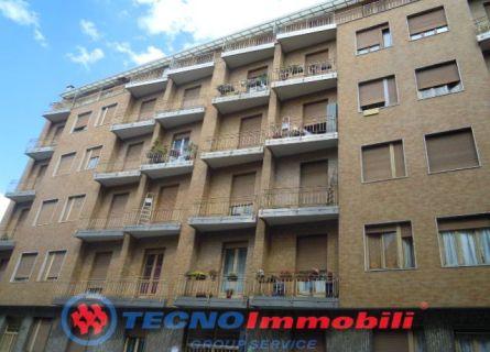Bilocale Torino Via Conte Di Roccavione 1