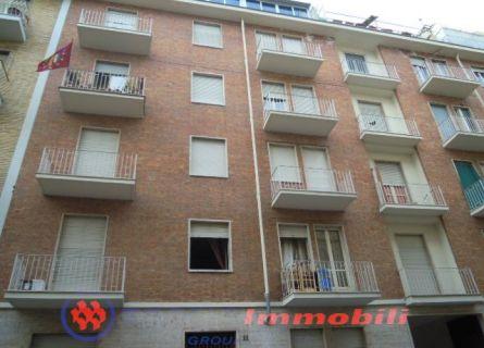 Appartamento in vendita a Torino, 3 locali, prezzo € 60.000 | Cambiocasa.it