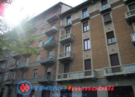 Appartamento in vendita a Torino, 4 locali, prezzo € 187.000 | Cambiocasa.it