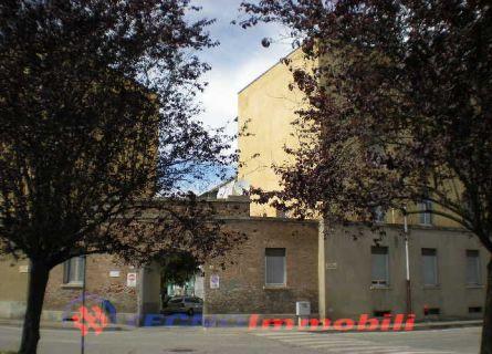 Bilocale Settimo Torinese Via Petrarca 1