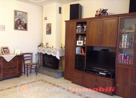 Appartamento in vendita a San Francesco al Campo, 4 locali, prezzo € 119.000 | PortaleAgenzieImmobiliari.it