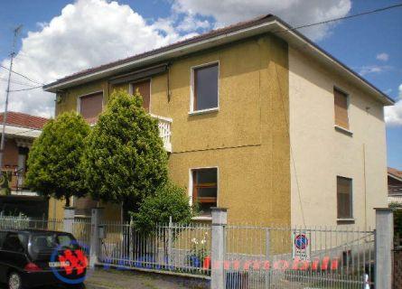 Appartamento in vendita a Settimo Torinese, 4 locali, prezzo € 128.000 | Cambio Casa.it