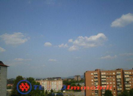 Appartamento in vendita a Torino, 4 locali, prezzo € 140.000 | Cambiocasa.it