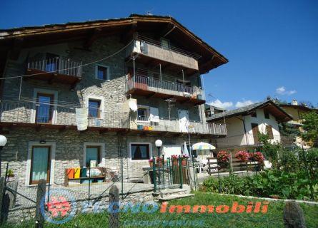 Appartamento in vendita a Aosta, 4 locali, prezzo € 129.000 | Cambio Casa.it