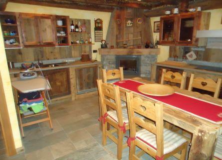 Appartamento in vendita a Saint-Marcel, 6 locali, prezzo € 350.000 | PortaleAgenzieImmobiliari.it