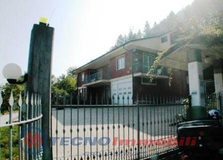 Ristorante / Pizzeria / Trattoria in vendita a Bernezzo, 4 locali, prezzo € 150.000 | Cambio Casa.it