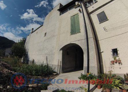 Rustico / Casale in vendita a Giustenice, 9 locali, prezzo € 290.000 | Cambio Casa.it