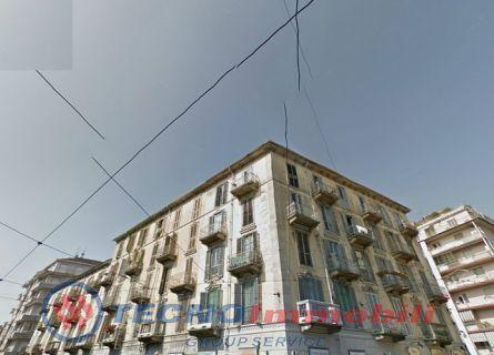 Bilocale Torino Largo Giulio Cesare 1