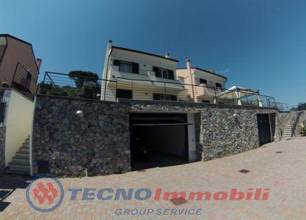 Appartamento in vendita a Toirano, 7 locali, prezzo € 550.000 | PortaleAgenzieImmobiliari.it