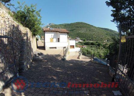 Appartamento in vendita a Toirano, 7 locali, prezzo € 650.000 | PortaleAgenzieImmobiliari.it