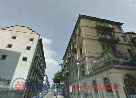 Bilocale Torino Corso Cairoli 1