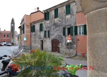 Piazza San Bartolomeo , 10 Finale Ligure (Savona)