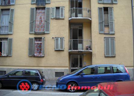 Bilocale Torino Via Pomponazzi 2