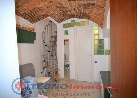 http://www.tecnoimmobiligroup.it/public/img/Immagine_immobile_2_19594.jpg