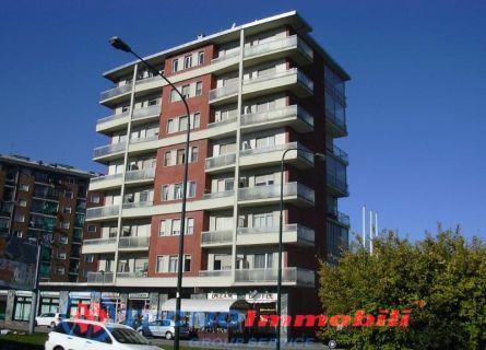 Bilocale Torino Via Sansovino 2