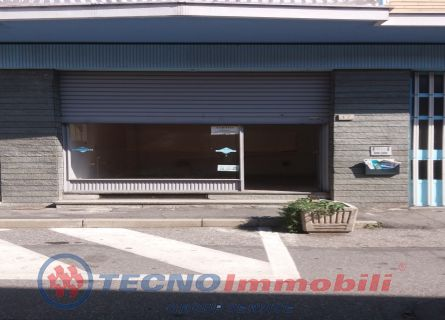 Negozio Via Guibert, Caselle Torinese - TecnoimmobiliGroup