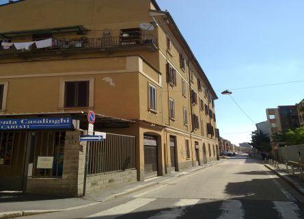 Bilocale Milano Via San Mamete 2