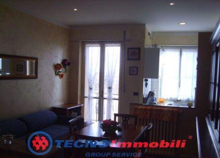 Bilocale Torino Via Strambino 3